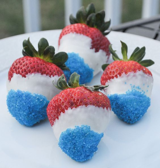 4th-of-July-Chocolate-Dipped-Strawberries